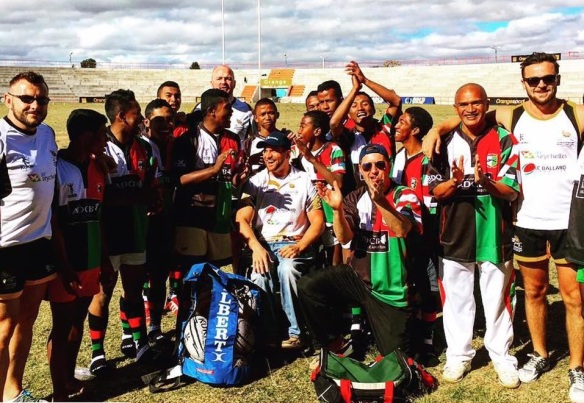 —Abu Dhabi Harlequins kit proved very popular, the team well coached by Guiness World Record Holder Tom Calnan
